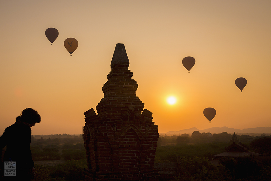 Myanmar_2017_Old_Bagan_Pagoda_Balloons_0308_BLOG