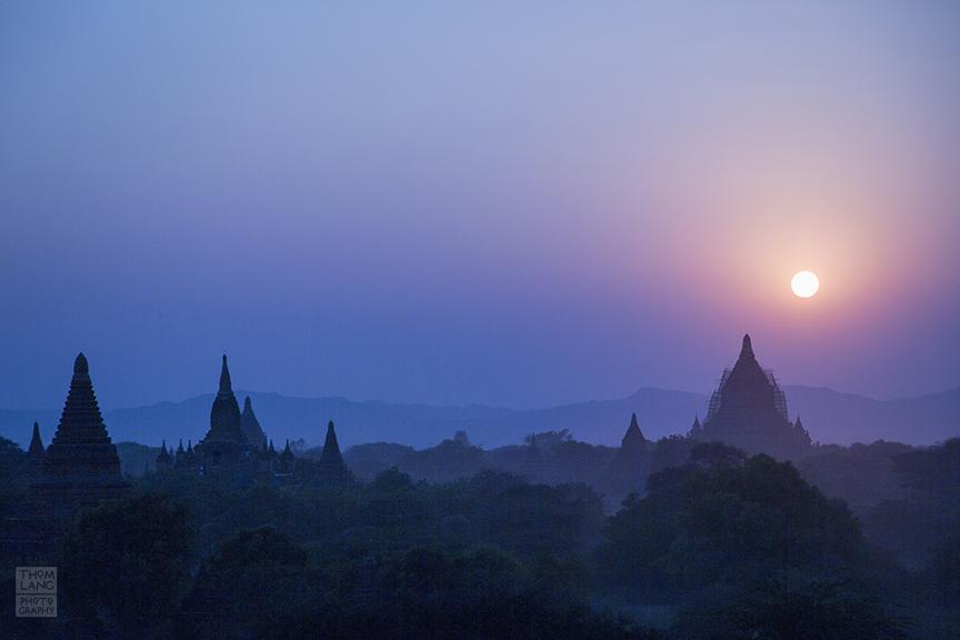 Myanmar_2017_Old_Bagan_Pagoda_Sunrise_0113_BLOG