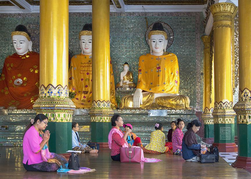 Myanmar_2017_Buddha_Shwedagon_Pagoda_Yangon_8942-BLOG