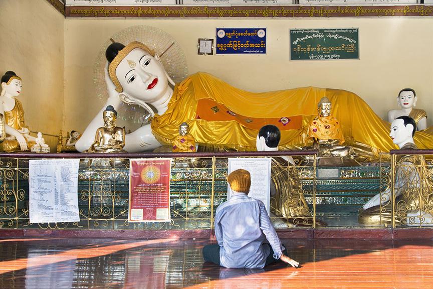 Myanmar_2017_Buddha_Shwedagon_Pagoda_Yangon_9079-BLOG