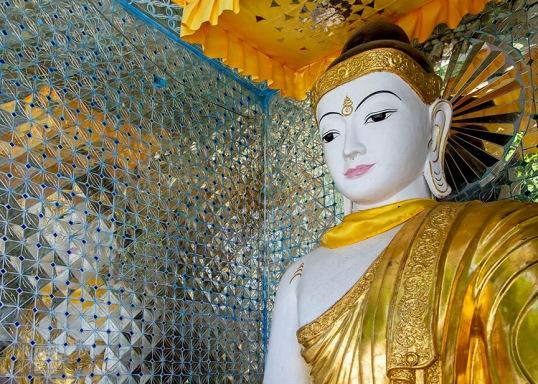 Myanmar_2017_Buddha_Shwedagon_Pagoda_Yangon_9163-BLOG