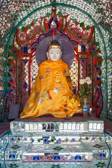 Myanmar_2017_Buddha_Shwedagon_Pagoda_Yangon_9227-BLOG